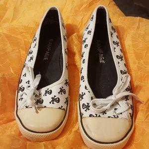 Shoes - Final price skull cap toe sneaker